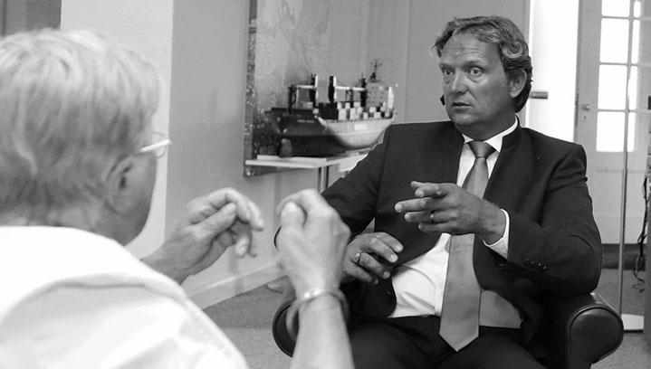 Helge Petersen im Mandantengespräch