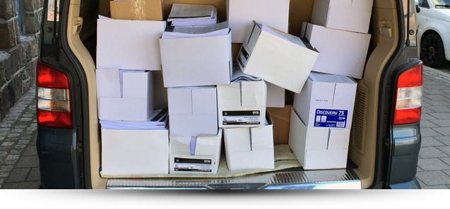 Multivan voller Schriftsätze für das Landgericht Hannover